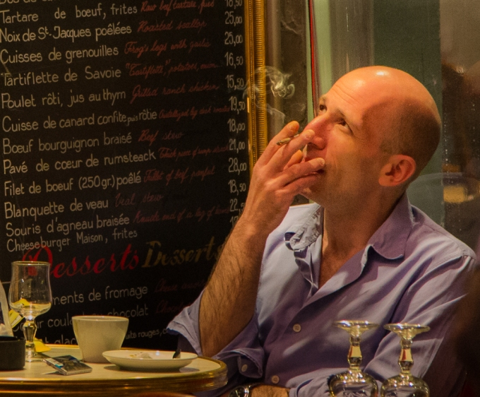 Montmartre coffee shop, 105 mm, 1/100, ISO 6400
