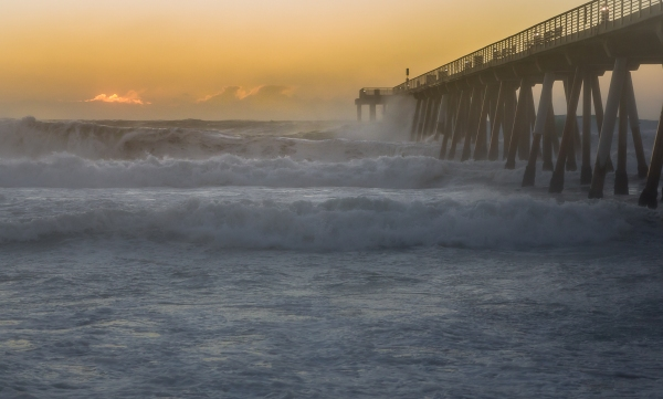 Hermosa Pier, Storm Blowing Over